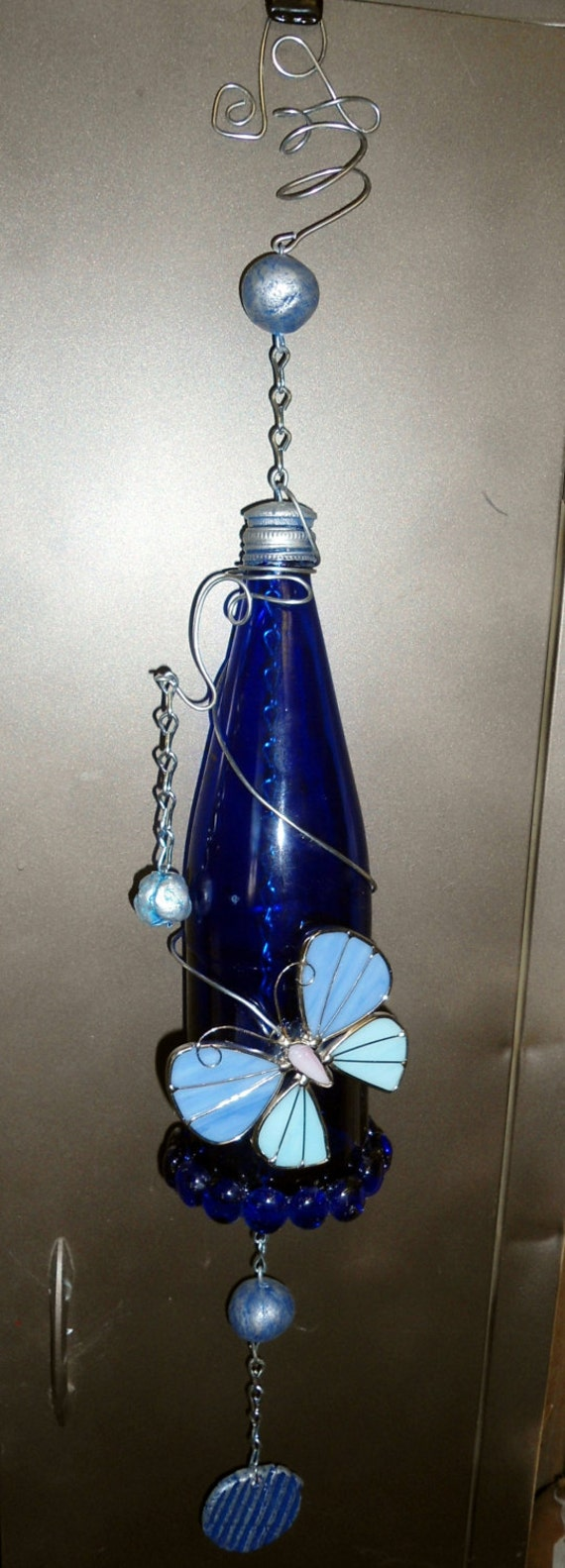 Wind chime blue bottle with stained glass butterfly for Glass bottle wind chimes
