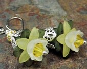 Yellow flower earrings, daffodils, vintage style lucite and crystal. Jessica. TPMB