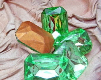 PERIDOT Green Octagonal RHINESTONES 18 mm x 25 mm Lot of (3) Vintage Large Glass Rectangle Gold Foil Back  jc pgo MORE AVAlLABLE