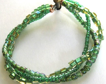 Green Beaded Bracelet  BR2