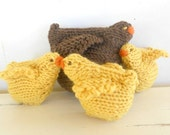 Chicken Family, Waldorf Toy, Mama hen and baby chicks, All natural farmyard animals Easter Basket