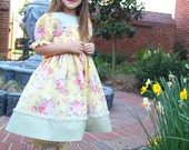 Sale .Easter dress, yellow green dress, birthday vintage shabby chic, puff sleeve, twirl dress pants outfit Size 3,