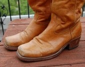 Sale~ Vintage 1970's rugged leather COWBOY BOOTS tan cowhide campus