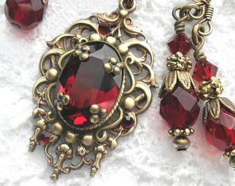 Royal Brocade - Garnet Glass Jewel Necklace - Rare Vintage Brass Setting