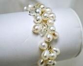 Grappe de perles d'eau douce Bracelet mariée, Briolette noir cristal, mariage, crème, Ivoire, Bracelet demoiselle d'honneur, chaîne Bracelet à breloques, plage