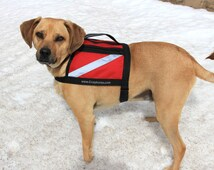 RED SERVICE DOG Vest with handle - for small to medium stocky built dog - light weight - water proof - reflective