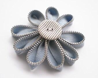 Zipper daisy brooch - Zipper jewelry - Blue flower - Textile jewelry