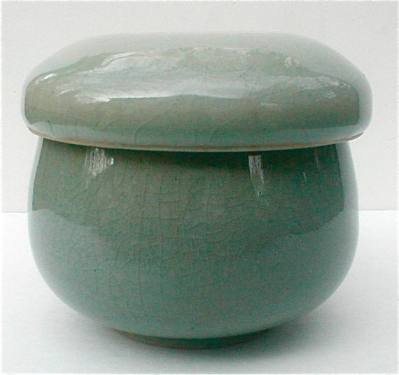Japanese Celadon Lidded Tea Cup And Strainer By Studiostebbylee