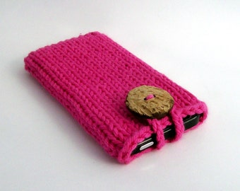 Phone Case iPhone 4, 5, 6/7 - Samsung Galaxy s3, s4, s5, s6 - Galaxy Note 2 3 or 4 Cozy Sleeve Handknit Hot Pink Coconut Button Crochet Loop