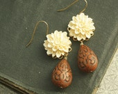 Flower Drop Earrings, Ivory Dahlia Drop Earrings, White Flower Dangle Earrings, Cocoa Brown Bead, Tear Drop Earrings