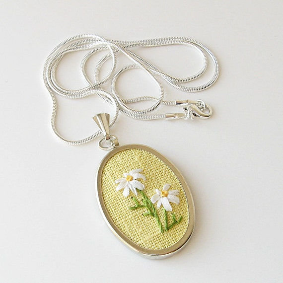White daisies necklace silk ribbon embroidery by bstudio
