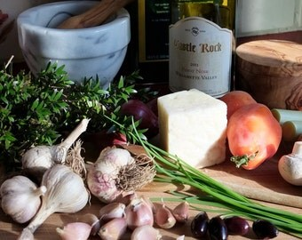 Big Bulb Heirloom Gourmet Garlic for Roasting, Homegrown Organically, Make a Healthy Choice