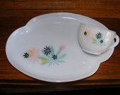 Atomic Maple Leaf Luncheon Plate and Cup Snack Set