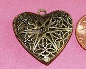 20 pcs of antiqued brass filigree heart Locket Pendant 25x24x6mm