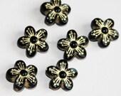 20 pcs of  Resin flower beads 15mm Black