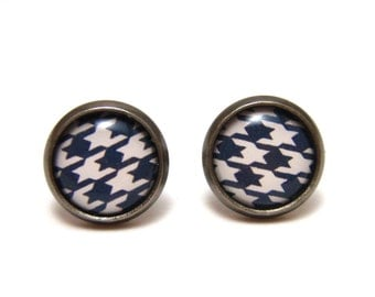Black and White Houndstooth Earrings - Monotone geometric patterned earrings on gunmetal post studs - SMALL 10mm