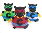 Super cat pincushion, Masked cat, Stuffed cat, cute felt kitty cat decor, Seamstress gift, Cat lover gift, Geek gift, Chunky Caped Crusader