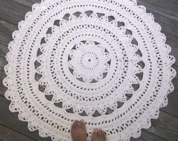 "White Cotton Crochet Rug in Large 41"", 104.14cm Circle Pattern Non Skid"