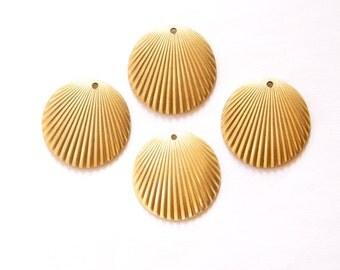 1 Hole Raw Brass Ribbed Dapped Circle Pendant Charm (6) mtl089