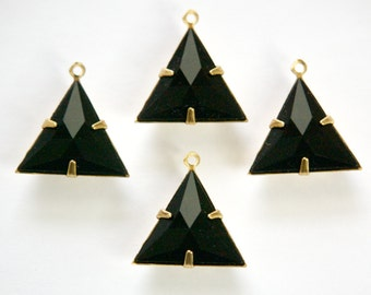 Black Acrylic Triangle in 1 Loop Brass Setting Pendant Drop tri001G