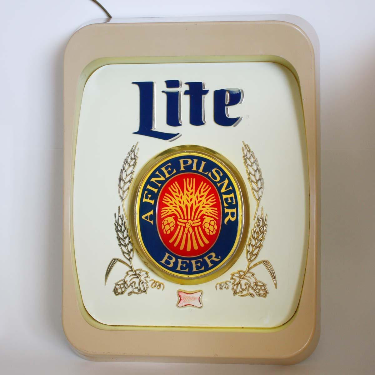 Vintage Miller Lite Lighted Beer Sign