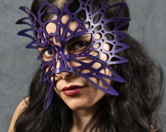Totem leather mask in purple