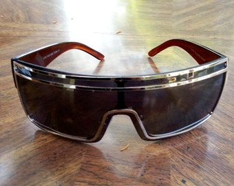 iconic vintage 70s shades, sun glasses, rare find