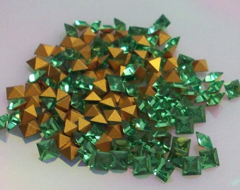 72pc 3mm Light Emerald Squares Vintage Swarovski Square Size 2.8mm Squares Pointed Backs Gold Foiling Swarovski Light Emerald Squares