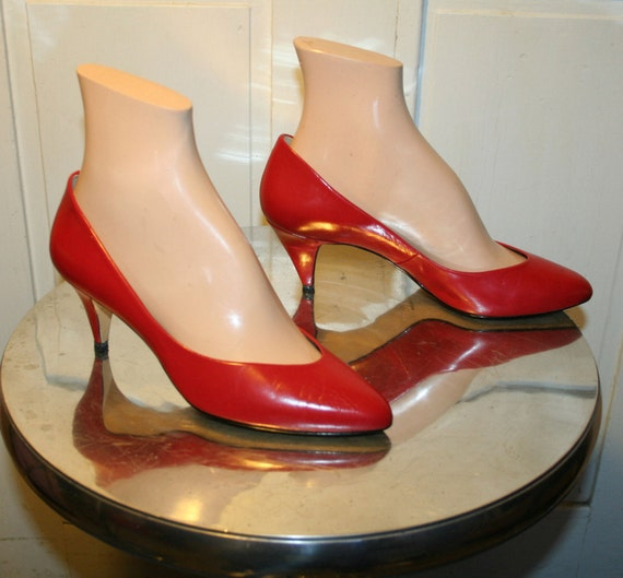 80's Vintage 9 West Red Leather Pumps size 7 W