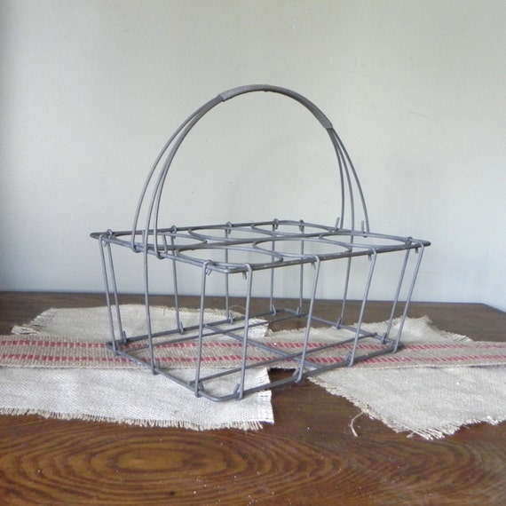 Vintage wine bottle rack carrier tote metal wire by jollytimeone - Wire wine bottle carrier ...