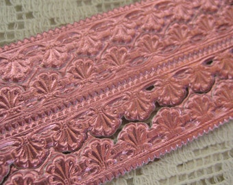 Made In Germany Pink Embossed Sea Shell Foil Paper Dresden Trim  DFW 207 PK