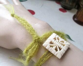 CROCHET WRAP BRACELET Green