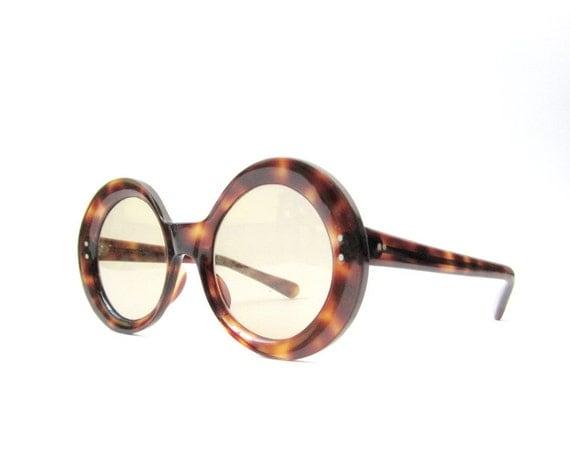 1960's Mod Round Oversize Sunglasses