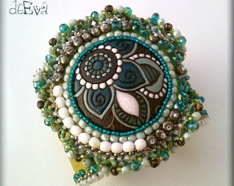 Bead embroidered leather cuff  with Golem cabochon - green, lime, teal, bronze - K 76 - Falma
