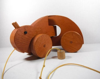 Wooden Pull Toy Lucky Brown