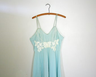 vintage 60s Something Borrowed Something Baby Blue Double Layer Nylon Floral Applique Nightie Nightgown