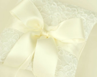 Ivory Lace Ring Bearer Pillow - Alencon Lace Ring Bearer Pillow