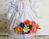 vintage style white long sleeve dress for Blythe Doll