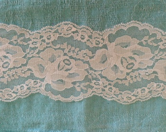 Wide Lace Off White NO  STRETCH 4 inch -2 yards for 3.99