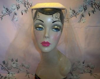SALE! Vintage 1960s Pink Open Crown Hat With Veil Mint Garden Party Wedding Bridal Guest Bridesmaid Bride