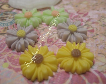 Flower cabochon-Lime,grey,yellow Resin Sunflower Cabochon 13mm beads Flat back(Assorted) sample pack)Flower charms for living lock style