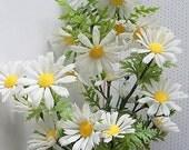 Vintage Plastic White Summer Flowers--Circa 1970--Daisies