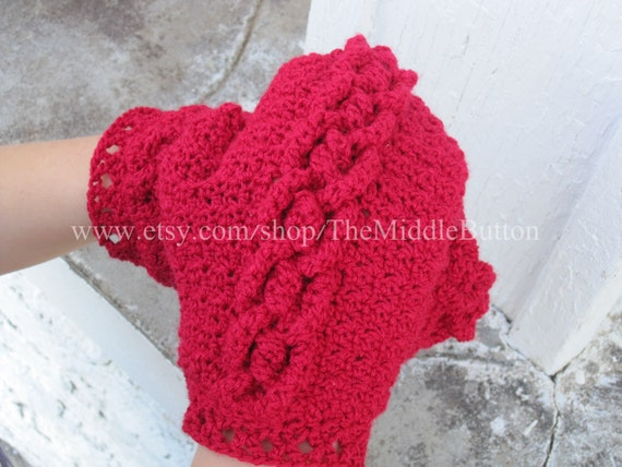 Cory - Cabled Mittens - In Cherry Red