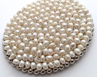 Oval Freshwater Ivor Pearl Buckle And Belt
