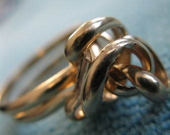 sale. SCRIBBLES 7. 14k solid gold filled ring. size 4
