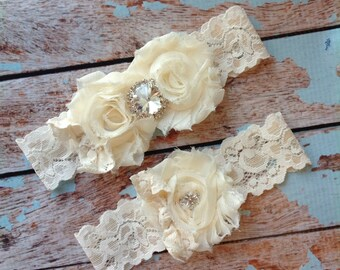 IVORY /LACE bow / RHINESTONE  wedding garter set / bridal  garter/  lace garter / toss garter included /  wedding garter / vintage inspired