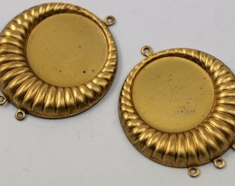Vintage Brass Pendant, 2 Vintage Raw Brass Pendant Setting With (20mm) Cameo Base With 3 Loops