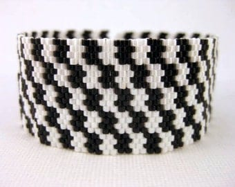 Peyote Bracelet - Black and White Beaded Cuff  Classic Seed Bead Beadwork