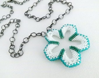 Beaded Necklace / Flower Power Peyote Necklace  / Seed Bead Pendant in Teal, Emerald and White / Peyote Pendant / Beaded Flower Necklace