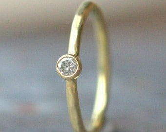 18k Diamond Engagement Ring - Dainty Diamond Ring - 2.5 mm Diamond, 18k Yellow Gold